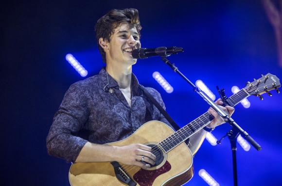 Shawn Mendes at Moda Center